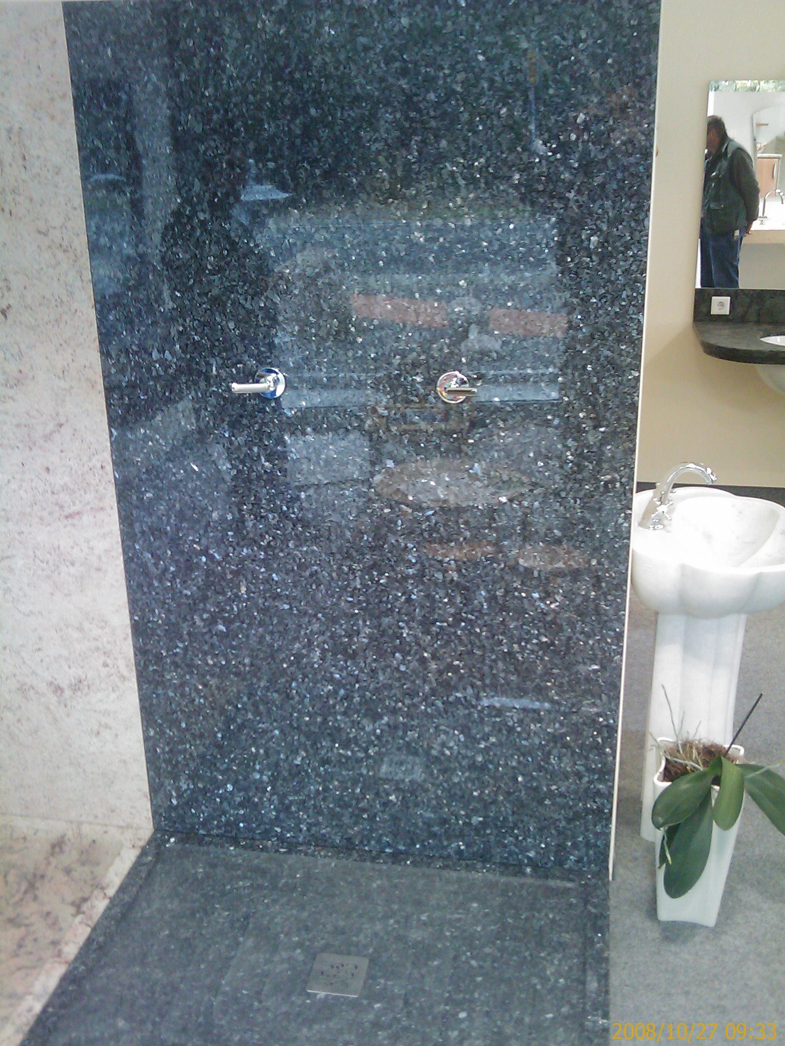Schwarze Granit Dusche