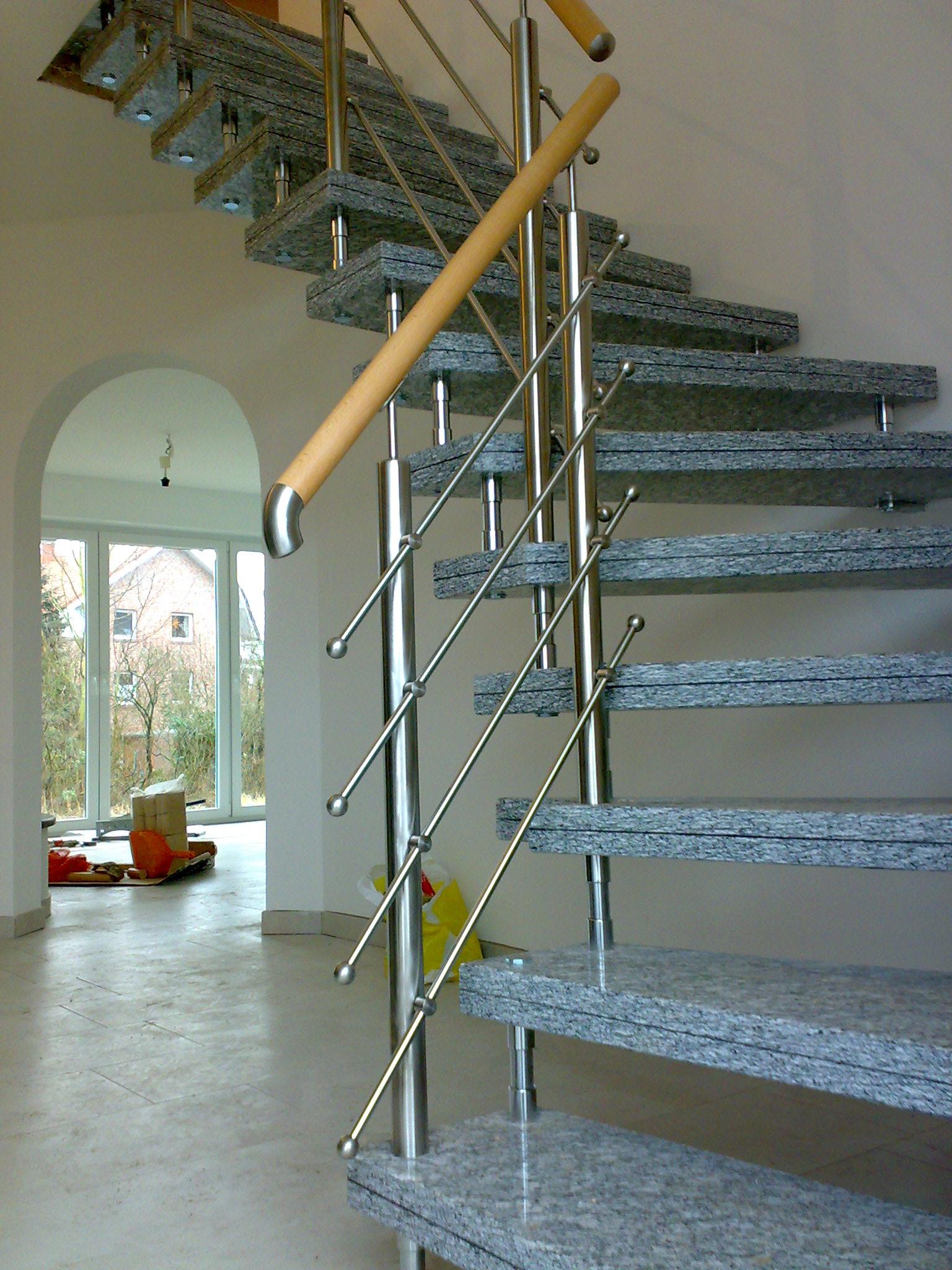 Granit Treppe grau