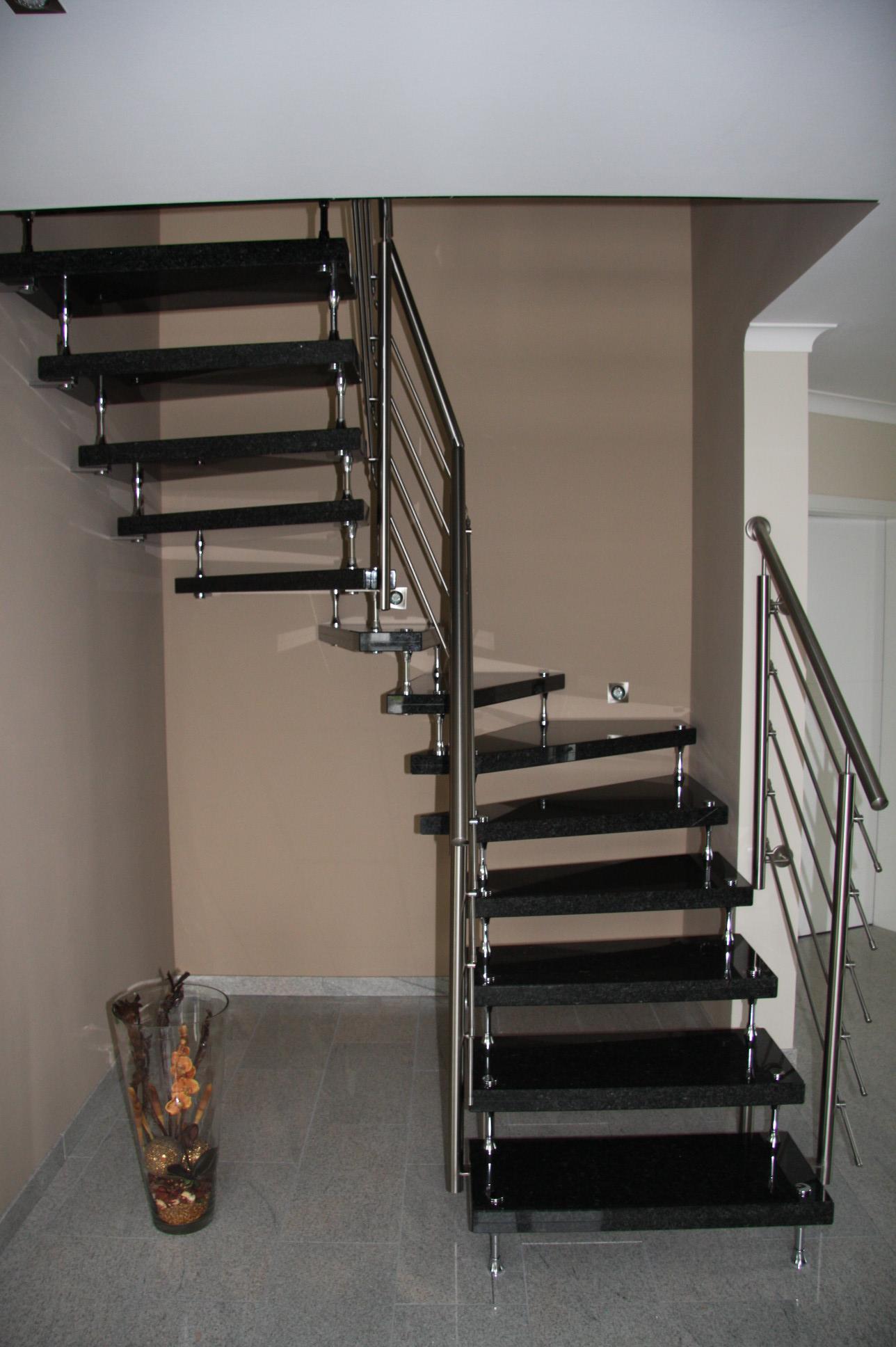 Schwarze Granit Treppe