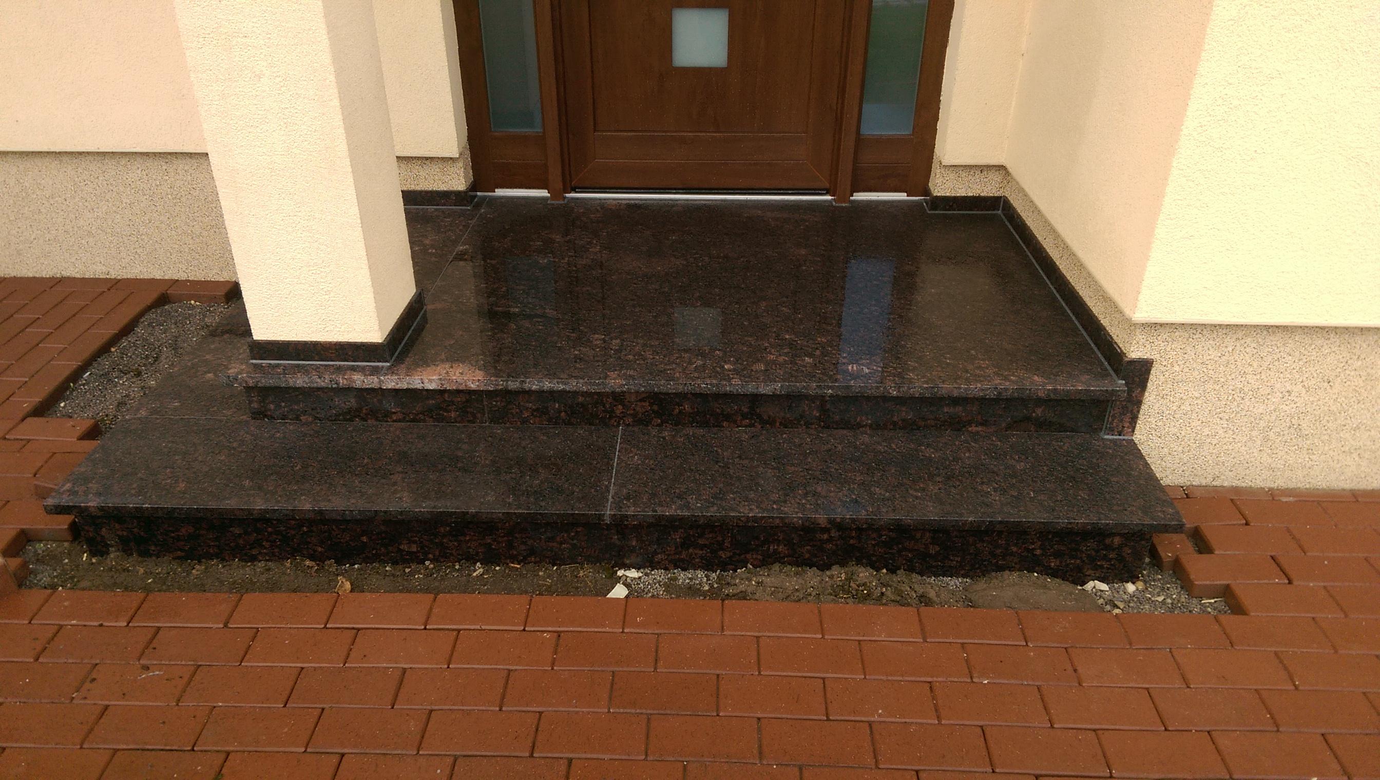 Eingangspodeste aus Granit in schwarz