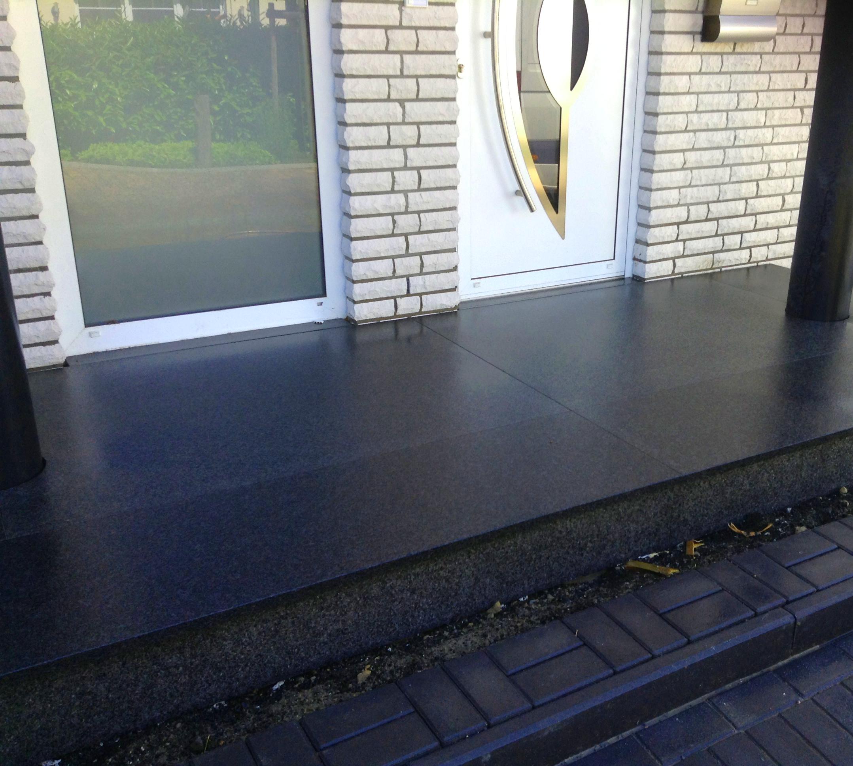Schwarzes Granit Podest